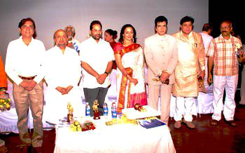 1 {Lto R} Chairman, Devendra Khandelwal, Sameer, Mukhtar Abbas Naqvi, Hema Malini, Jitendra, Nathus