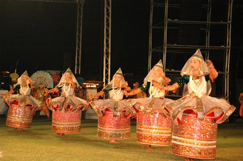 7 Artist performing at the concluding ceremony of Iffc 08